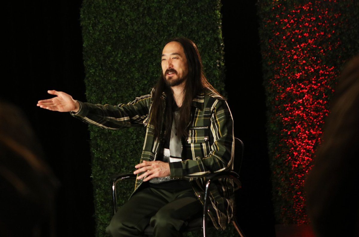 Watch Steve Aoki play a hilarious game of 20 Questions during #LatinMusicWeek: 'Is he a sexy guy?' https://t.co/nOPCsLXvE9