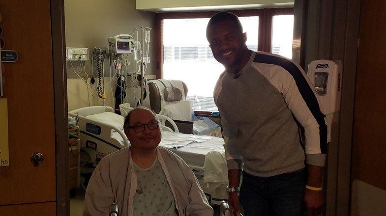 Packers receiver Randall Cobb visits Froedtert transplant patients https://t.co/8UVjfONbgs