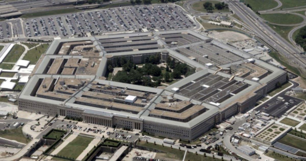Пентагон пожаловался на радиоэлектронные атаки против ВВС США в Сирии: https://t.co/tSTkIo1eXM