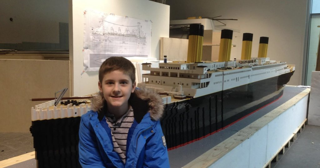 Despite &quot;titanic&quot; challenges, this Autistic teen overcame obstacles building the largest Lego replica of the Titanic  https:// cbsn.ws/2vLxmvM  &nbsp;  <br>http://pic.twitter.com/avCrkJG0cl