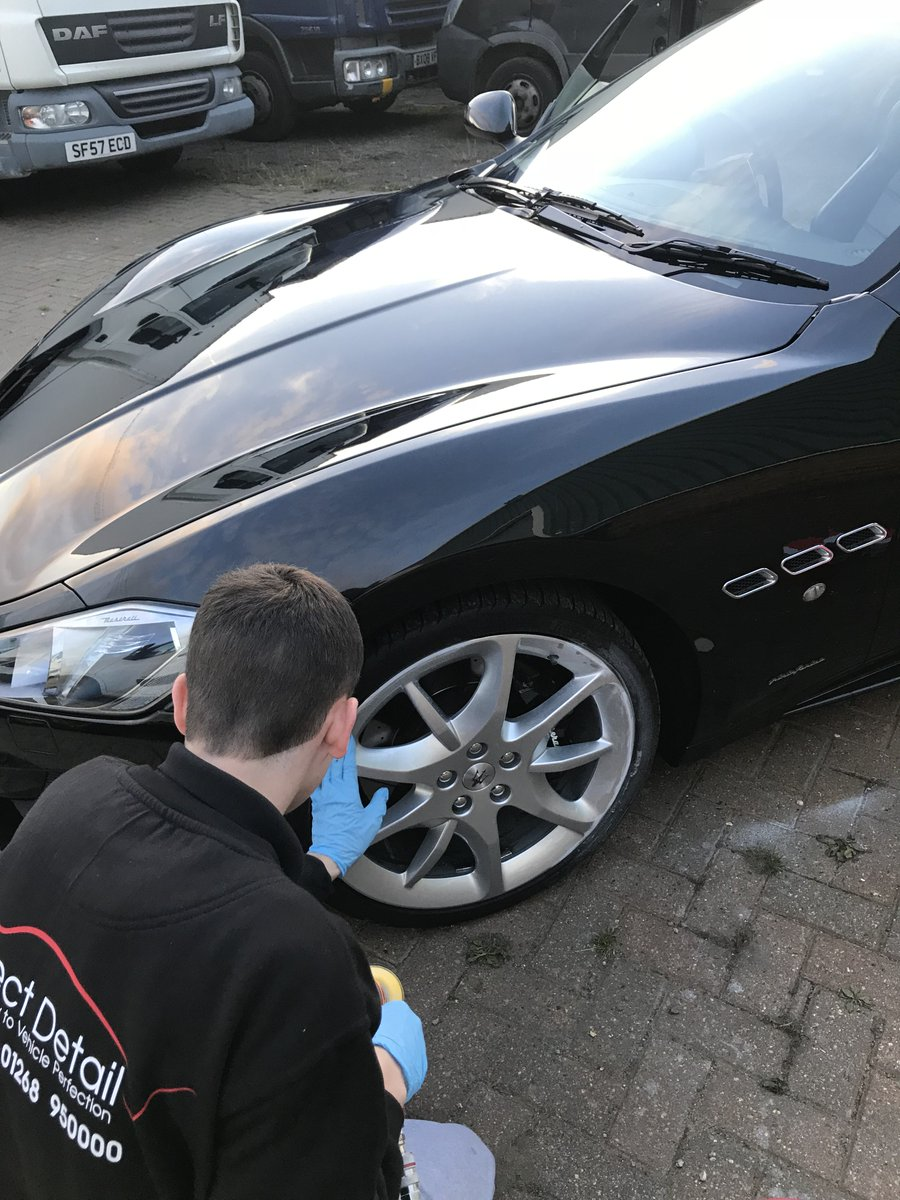 Have you scuffed your wheels? Its annoying right? We can help and you can drive away with it all sorted! #scuffedwheels