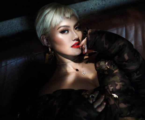 Agnez Mo signs with 300 Entertainment, hints at new music https://t.co/EhWJUS4s6n https://t.co/PRdoKGrwAp