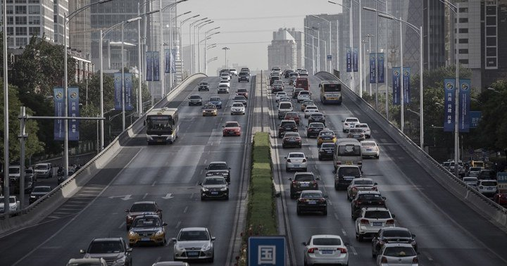 JUST IN: China is considering cutting car import duty by about half, sources say https://t.co/pBxEyVqvhA