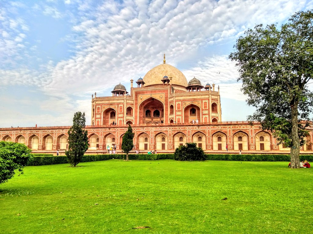 From Kaziranga in Assam, Hampi #monuments in Karnataka to Queen&#39;s step  well in Gujarat, India has 36 #world_heritage_sites and #Humayun_tomb is  one of them!<br>http://pic.twitter.com/KKdOWMNRJu