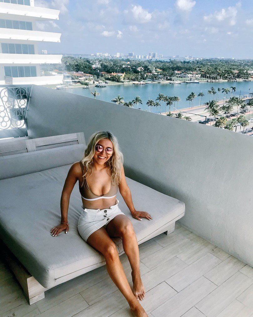 Bikini Em Sheldon nude (33 photos), Sexy, Sideboobs, Instagram, see through 2019