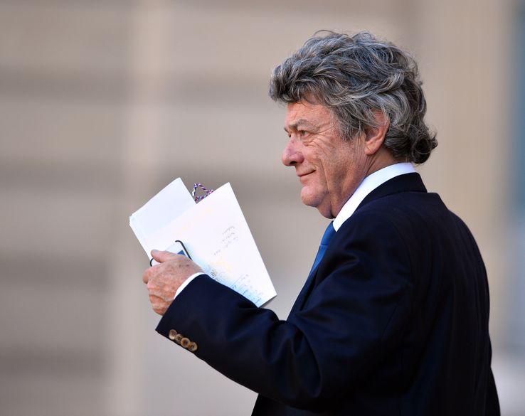 🔴🔜 12H35 - Invité #RTLMidi :  @Gatignon_Steph, maire écologiste démissionnaire de Sevran - Jean-Louis Borloo remet aujourd'hui à Edouard Philippe son rapport sur les quartiers prioritaires >> https://t.co/ESdrCNCy7j