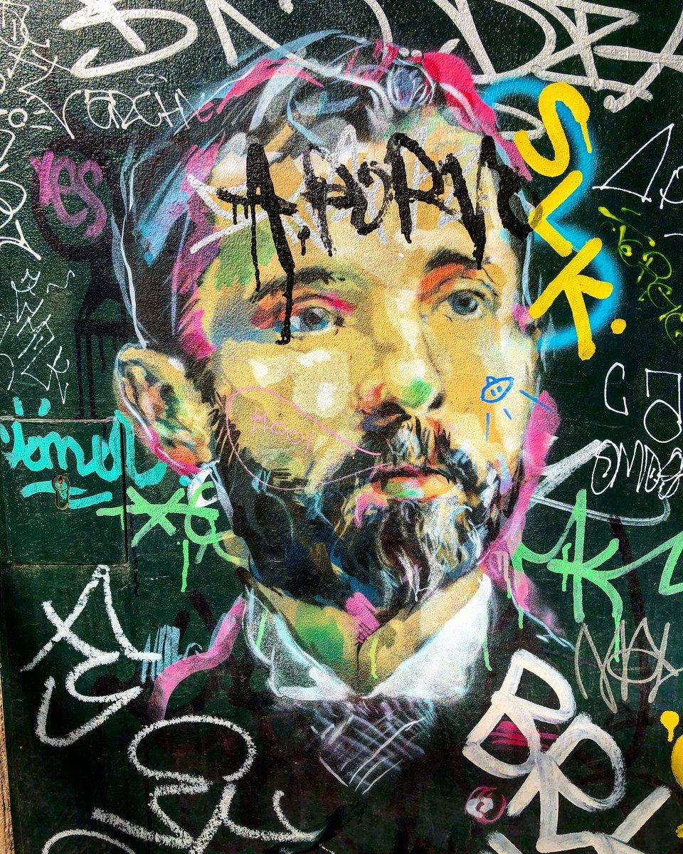 Street art in Barcelona by Rice #graffiti #graffitiart #streetart #urbanart #ephemeralart #wallart #muralart #barcelona<br>http://pic.twitter.com/qLFlc15xfp