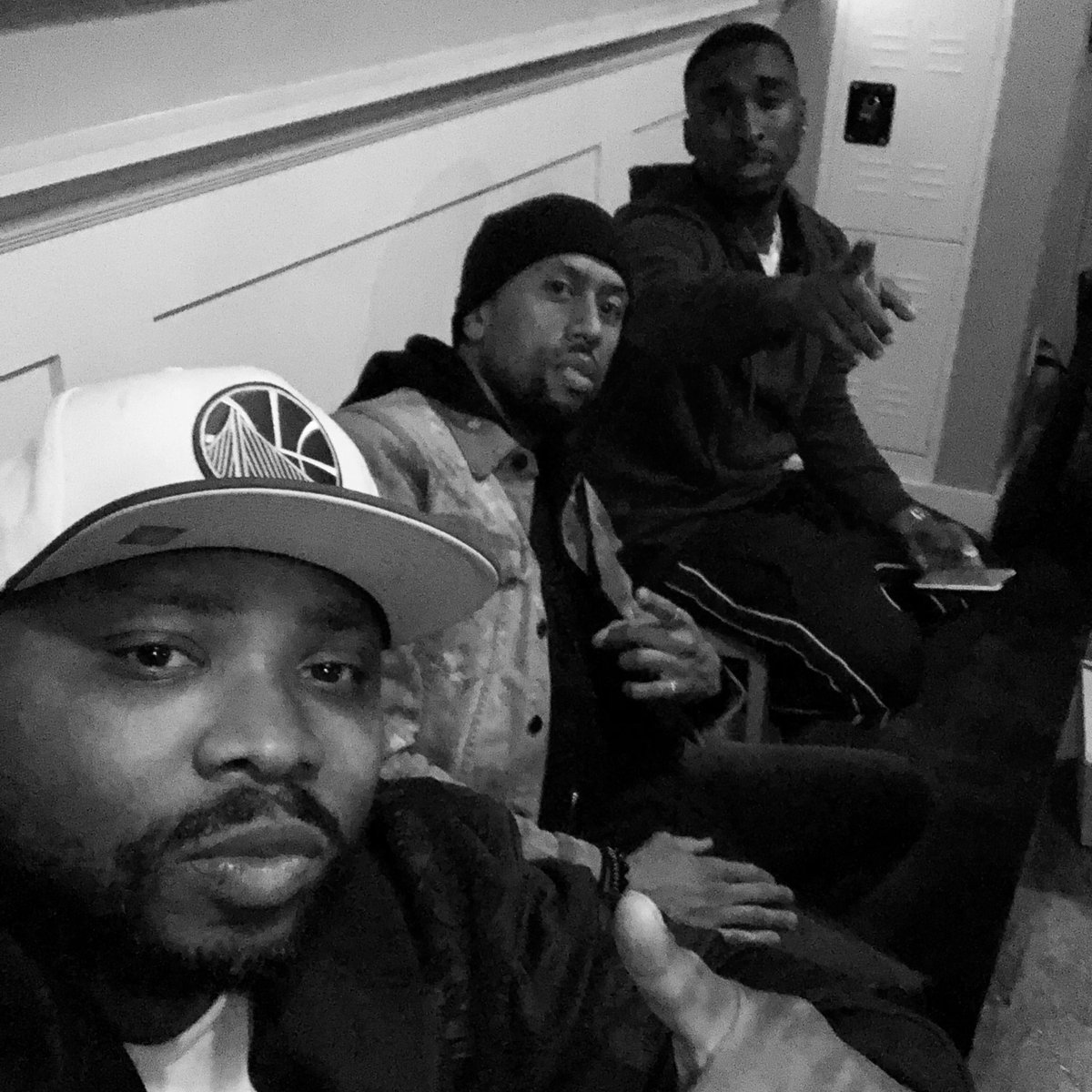 """WTF do black dudes be pointing at in pictures together. Are they giving directions? Did someone pull out the strap and they like """"aye nigga watch out"""" what y'all think we pointing at? @AFFIONCROCKETT @Dshippjr"""