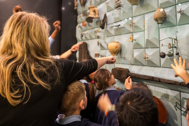 What happens when our new European HQ building site contained one of most important archaeological sites in the U.K.? We built a museum for the public to learn about the rich history of London. Learn more about the London Mithraeum: https://t.co/apqfbqgOcG