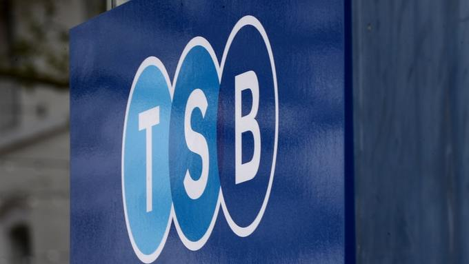.@TSB customers will not have to pay overdraft charges in April following problems with its internet banking service.   More here: https://t.co/DneESouIFL
