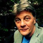 """Chris Keulemans,  escritor, moderador y fundador de 3 centros de arte en Amsterdam, estará en #teh85 hablando sobre """"Refugiados, la vida en el mientras tanto"""". #mientrastanto #spacetimeintruders https://t.co/RXxOLw6D3l"""