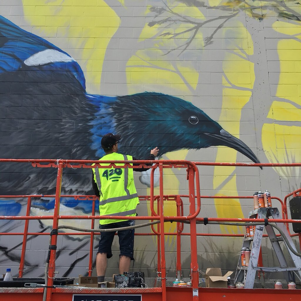 #deow1 #workinprogress I love his use of #Otago colours #blueandgold #dunedinstreetart #nzstreetart #mural #streetart<br>http://pic.twitter.com/8KfKLzB4rh