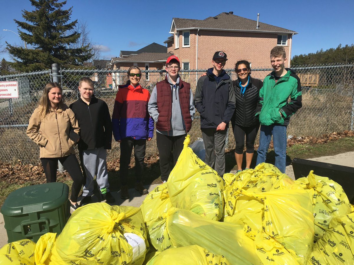 Bear Creek S.S. participated in the City of Barrie's @cityofbarrie Spring Into Clean and boy did we clean.  Thank you to students and staff that helped to keep our school and community clean. #springintoclean #earthweek @MikeAbram6 @SCDSB_Schools<br>http://pic.twitter.com/QoKg8wXaw2