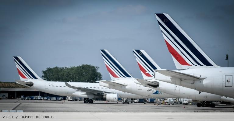 Air France: après les pilotes, l'intersyndicale appelle à la grève les 3, 4, 7 et 8 mai https://t.co/6xYS57hFOu