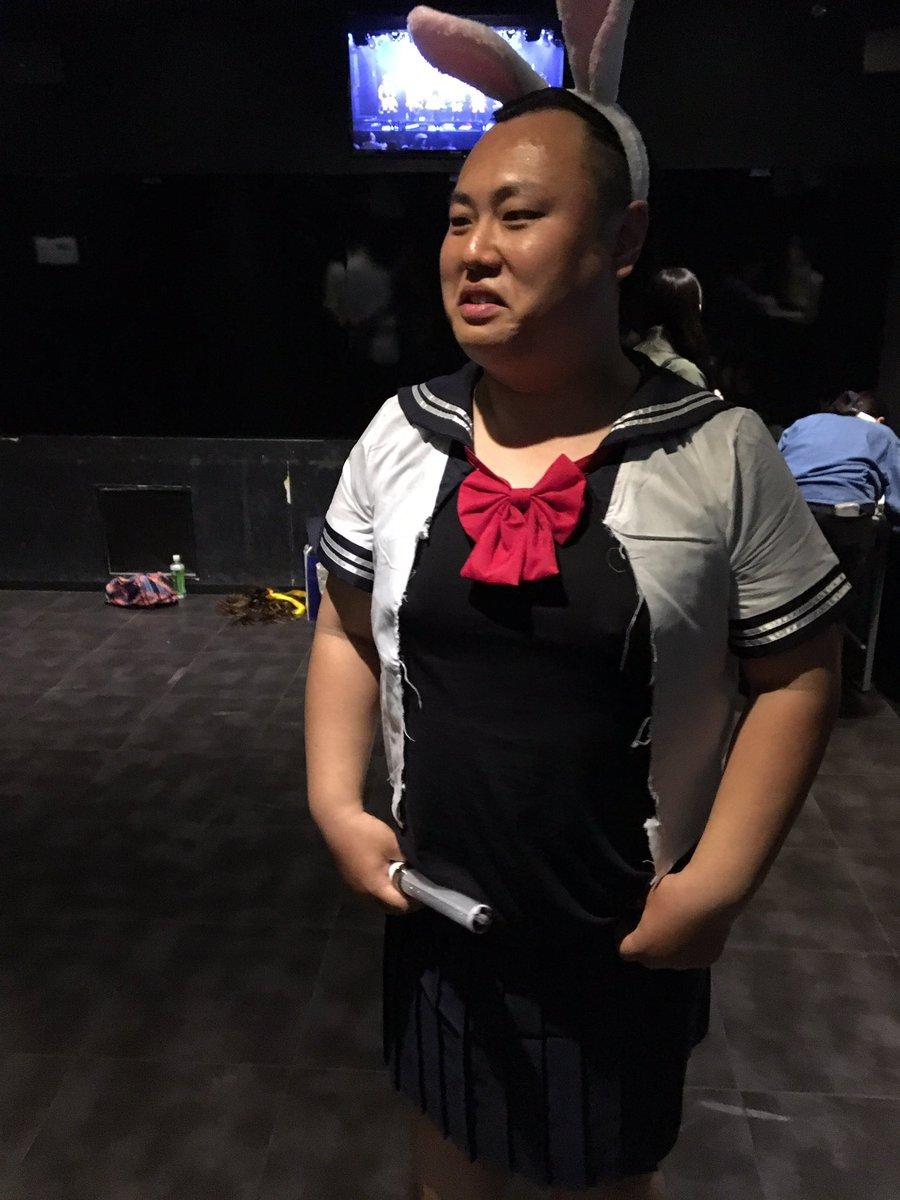 SKEのハロウィン公演当選したんだが、客も仮装って