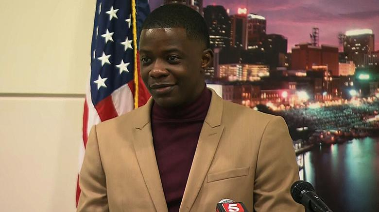 Just hours after he pried a rifle from a gunman who opened fire at a Waffle House near Nashville, James Shaw Jr. launched a fundraiser to help the victims' families. So far, he's raised more than $150,000 https://t.co/QejeRUJO7o