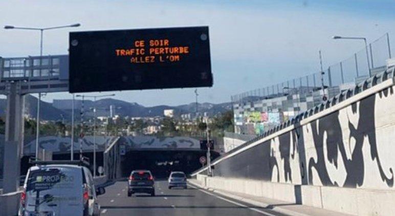 #Insolite : 'Ce soir, trafic perturbé... Allez l'OM' 😅https://t.co/gYt8HSZBiu [Crédit photo : @birginaris ] #TeamOM #Marseille