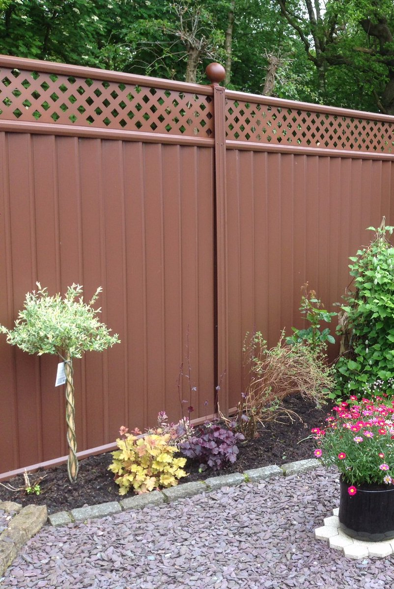 Its #GetOrganizedDay! Why not organize your garden ready for the summer? If your fence is in need of a little TLC after all of this bad weather, we can help! 01613 410676 #Colourfence #GetOrganized #Bolton #Bury<br>http://pic.twitter.com/mKvH9AvKXZ