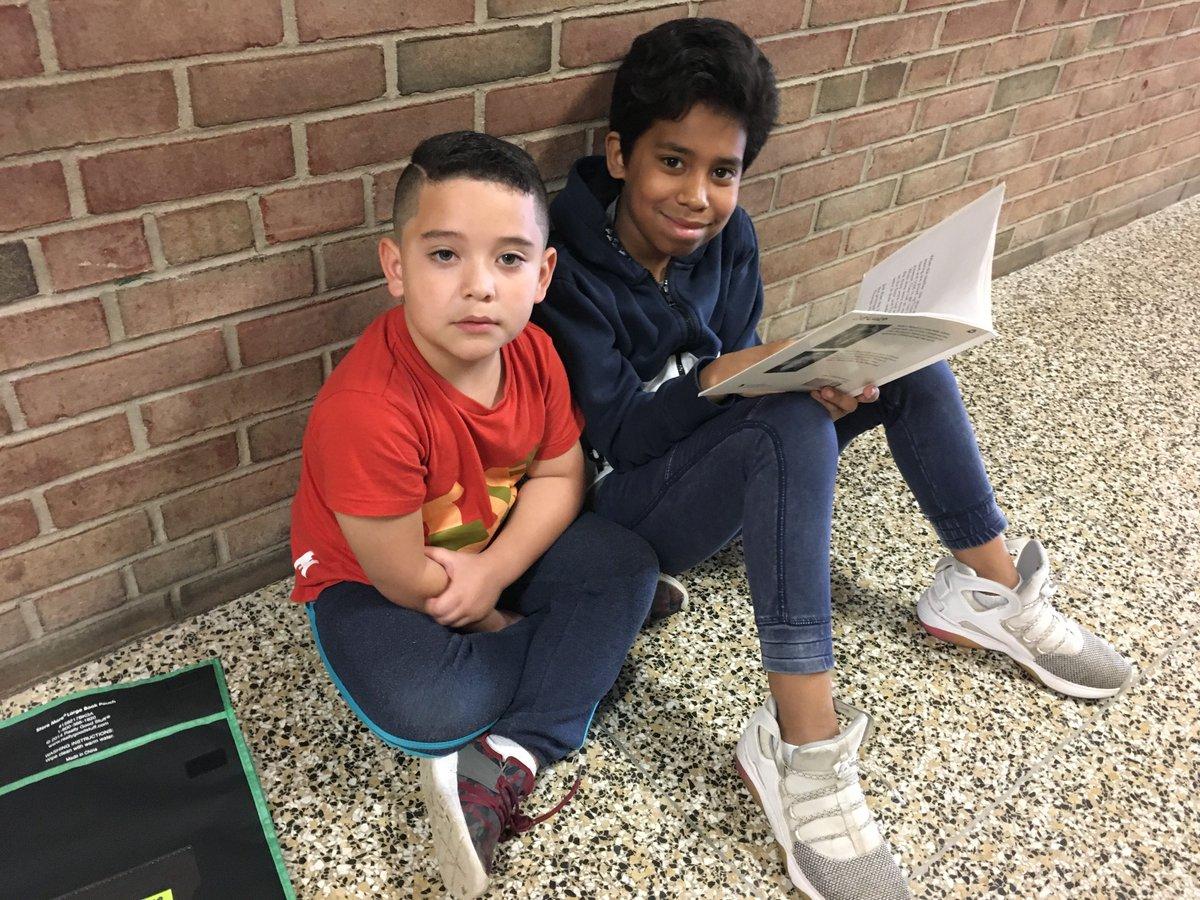 that our @Grundy5thGrade leaders work with our K kids on reading! #RoleModels #gratitude @SachemSchools<br>http://pic.twitter.com/EKQQk6RcXd