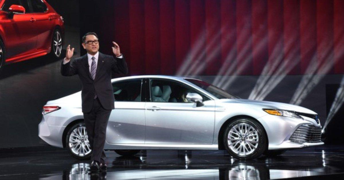 New York Auto Show: How Nissan Altima, Toyota Camry, Honda Accord will survive the car plague https://t.co/r7o5rHgv4u