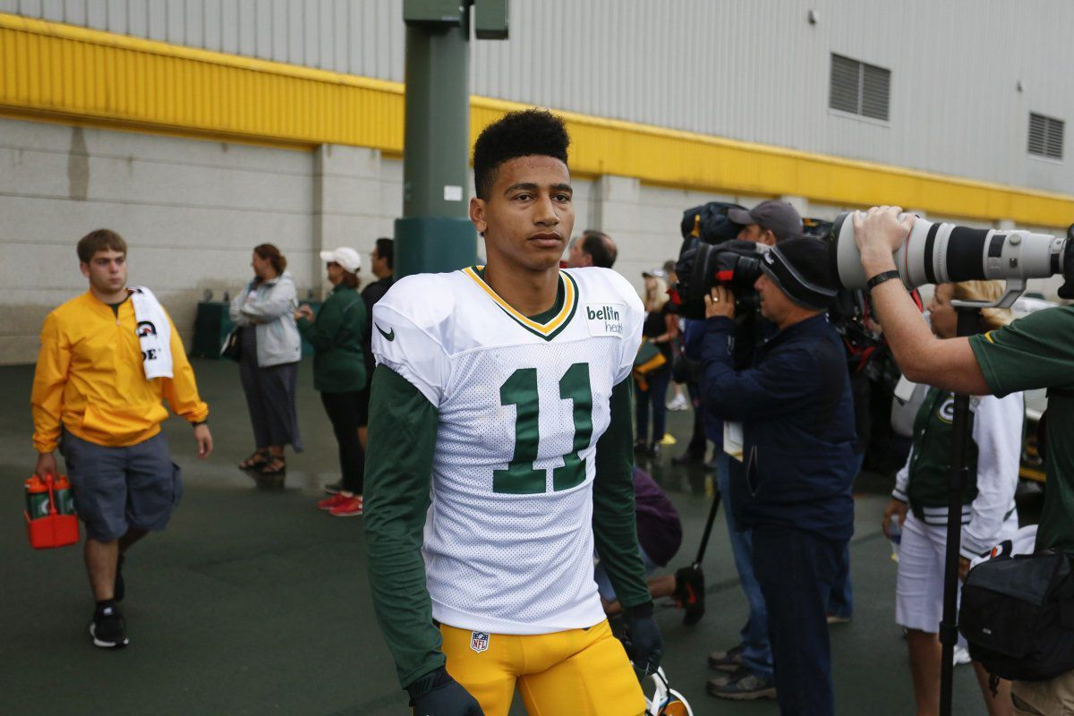 Packers WR Trevor Davis reportedly won't be charged after LAX arrest over bomb joke https://t.co/GHfyG7lbUL