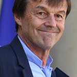 Image for the Tweet beginning: Rénovation énergétique : Hulot fixe