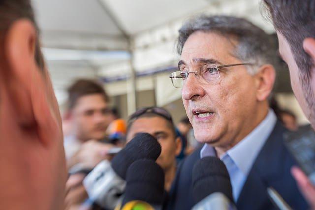 URGENTE: Assembleia acolhe pedido de impeachment do governador Fernando Pimentel https://t.co/ZNH418668E