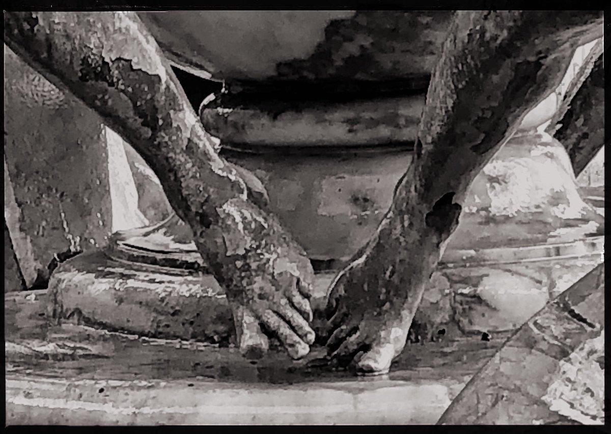 """""""I dettagli fanno la perfezione e la perfezione non è un dettaglio."""" Leonardo Da Vinci Fontana delle Tartarughe #roma #romaconimieiocchi #rome #RomeisUs @Mustapha1508 @fiorillomanuel1 @caputmundiHeidi @CiriSince1978 @Gianlucapica91 @JPaul33267538 @f_girasole @Mysnughome1"""