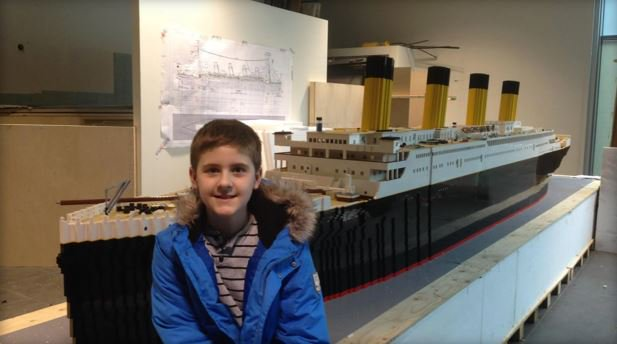 Boy with autism overcomes obstacles to build largest Lego replica of the Titanic  http:// bit.ly/2r2lnVQ  &nbsp;   #10TV<br>http://pic.twitter.com/cPpnAJveAI