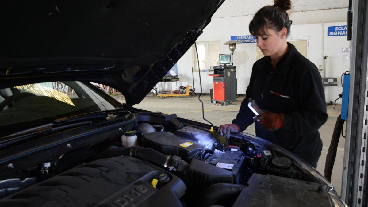 #AUTO K.O. technique pour les centres de contrôle à #Châlons 😱 Les automobilistes se précipitent avant l'arrivée de la nouvelle formule 🚙 https://t.co/c0Bl97FgQK