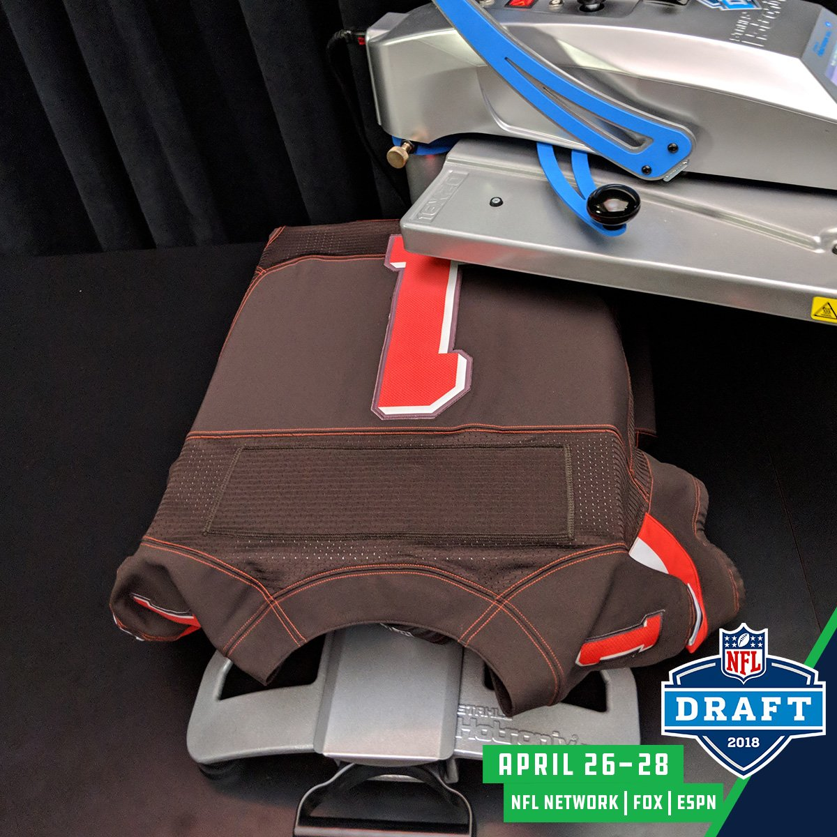 The @Browns are now on the clock! #NFLDraft  📺: NFLN/FOX/ESPN