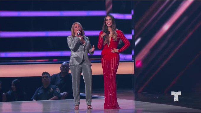 Billboard 2018 Latino: Ana María Polo y Catherine Siachoque se besaron. Ver Video
