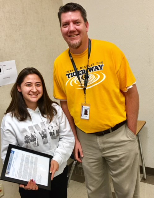 STUDENT SPOTLIGHT -- Isabel Gatdula is an Inderkum High School 10th-grader who was named Northern California's top student this year in the IB Middle Years program. To learn what makes her a standout student and a very special person, click here: https://t.co/BDU62YBKfl https://t.co/4mcIXNutAl