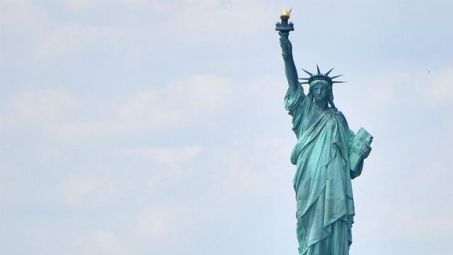 Survey: Majority of Americans say US is not living up to its democratic ideals https://t.co/sXyTCOnjml https://t.co/OvqKz0q0q3