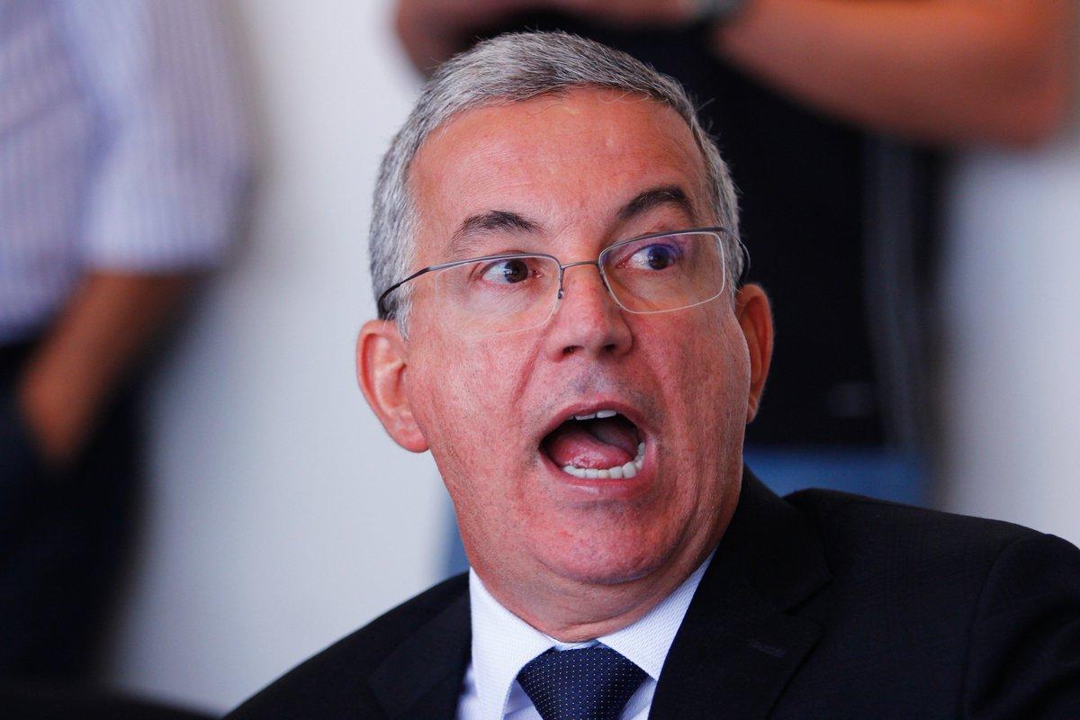 Sócios do #Sport prometem entregar na segunda-feira pedido de impeachment contra o presidente Arnaldo Barros https://t.co/Og5XG5mwvZ