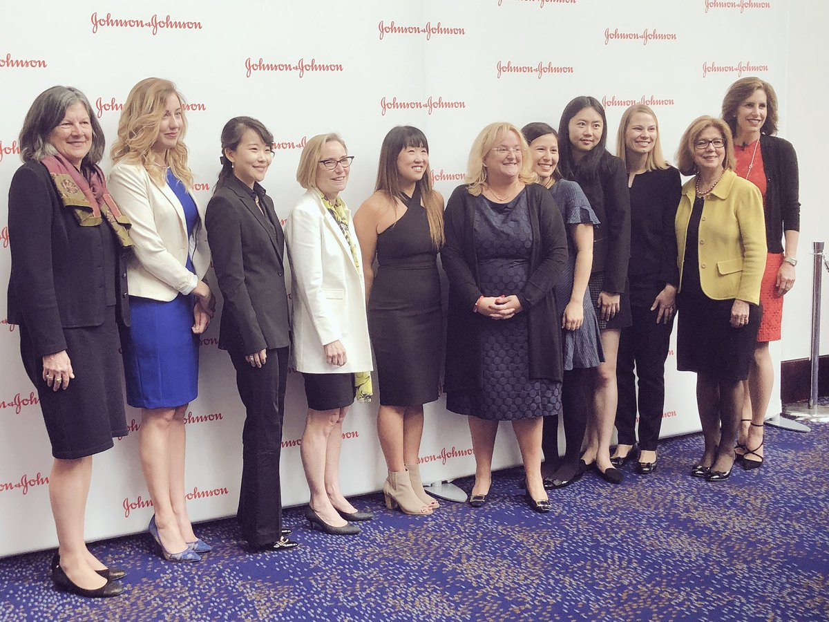 What an amazing group of women in STEM2D #WomeninSTEM #WiSTEM2D @JNJInnovation #JNJ<br>http://pic.twitter.com/RKeHxgp69O