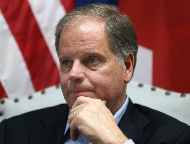 Alabama Sen. Doug Jones joined 48 other Senators accusing Defense Secretary James Mattis of resurrecting 'don't ask, don't tell' regarding transgender service members: https://t.co/6szb56D9nH
