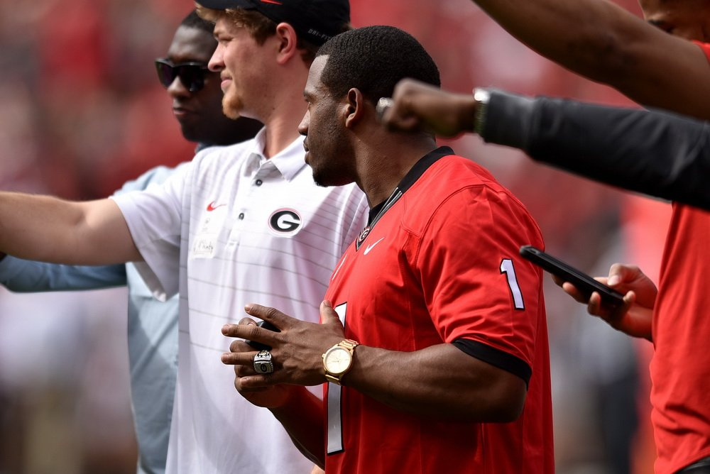 This is the world of #UGA recruiting.  Top offensive tackle Broderick Jones told me Sunday he would commit sometime next year. Four days later he is a Georgia pledge. That G-Day crowd helped. He explains:  https://t.co/9VyWv1oOcq