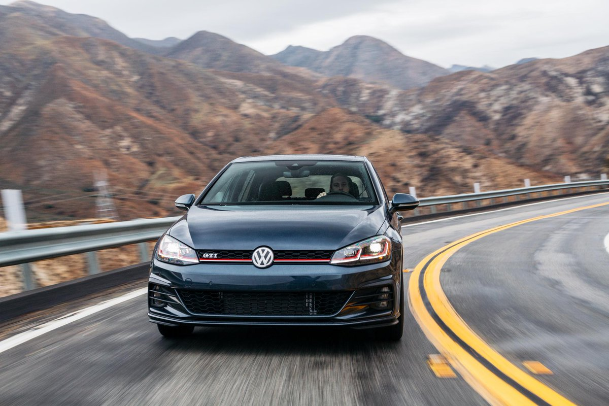 Volkswagen will introduce the eighth generation of Golf 2017 55