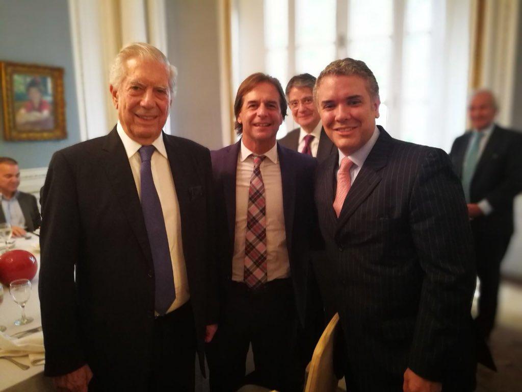 """Luis Lacalle Pou on Twitter: """"Con Mario Vargas Llosa e @IvanDuque en Buenos Aires durante la conferencia de la FIL… """""""
