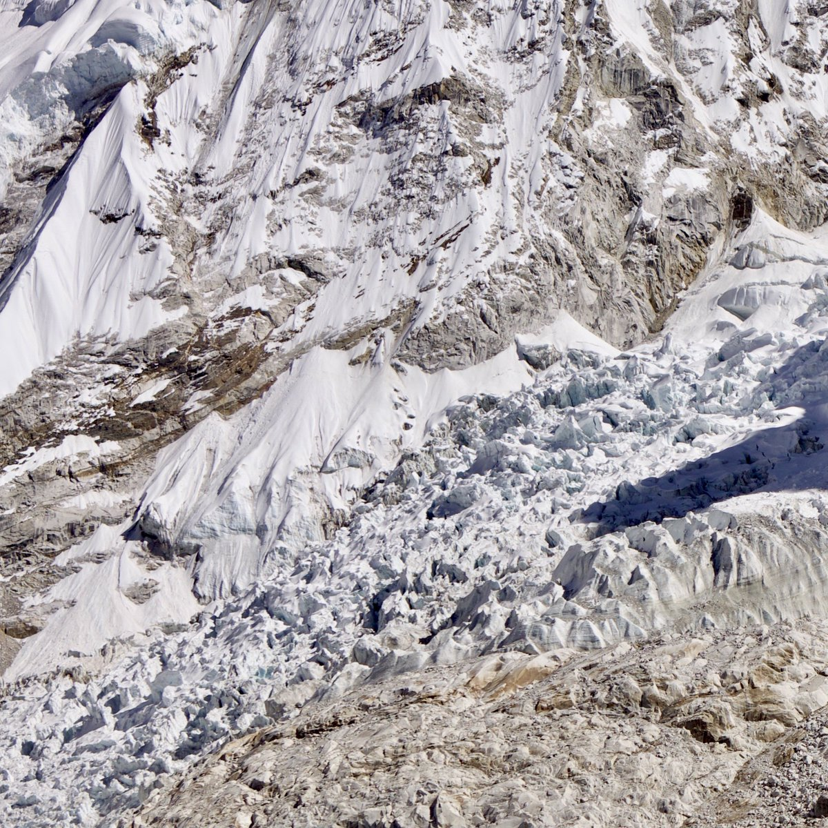 Dawa is at the base camp and will go through the khumbu ice fall to camp one. #hamasteel #hamaquality #madeinnepal #steelforlife #good #construction #practice #nepal #engineering #rebars #civilengineering #structuralengineering #HAMA500D #reconstruction #gcp #steel #rebars<br>http://pic.twitter.com/pHwqyASK5O
