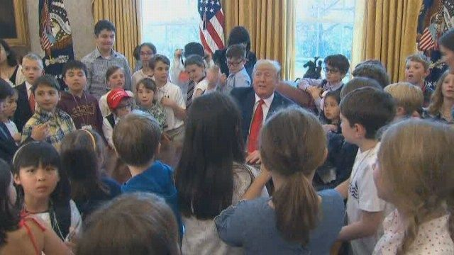 Trump gives Oval Office tour to White House reporters' kids >>https://t.co/E2LW2wPhek