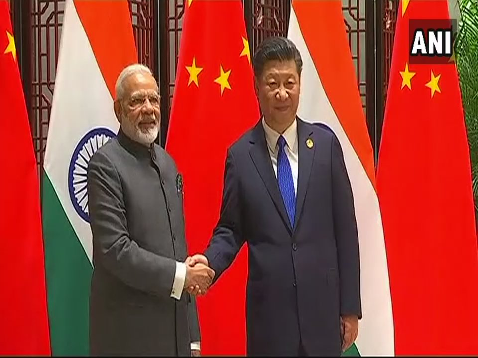#TopStory: PM Narendra Modi and President of China Xi Jinping to begin their two-day informal summit today in #Wuhan, China.