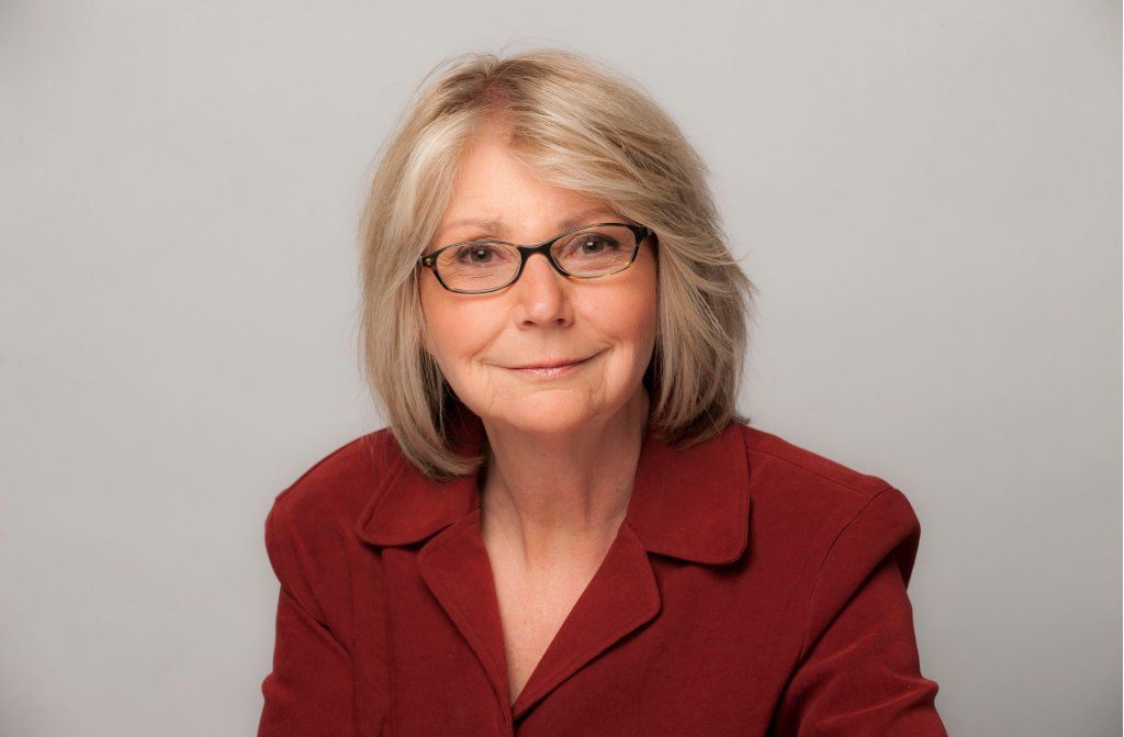 CONGRATS @lynnsweet!  Our Washington DC bureau chief &amp; columnist is the 2018 #WWJA winner for outstanding print reporting.  She was honored tonight in DC along with other women journalists.  We are so proud to have her on our team!  #SupportSunTimes  #journalism #subscribe<br>http://pic.twitter.com/hrsEjm3GxJ