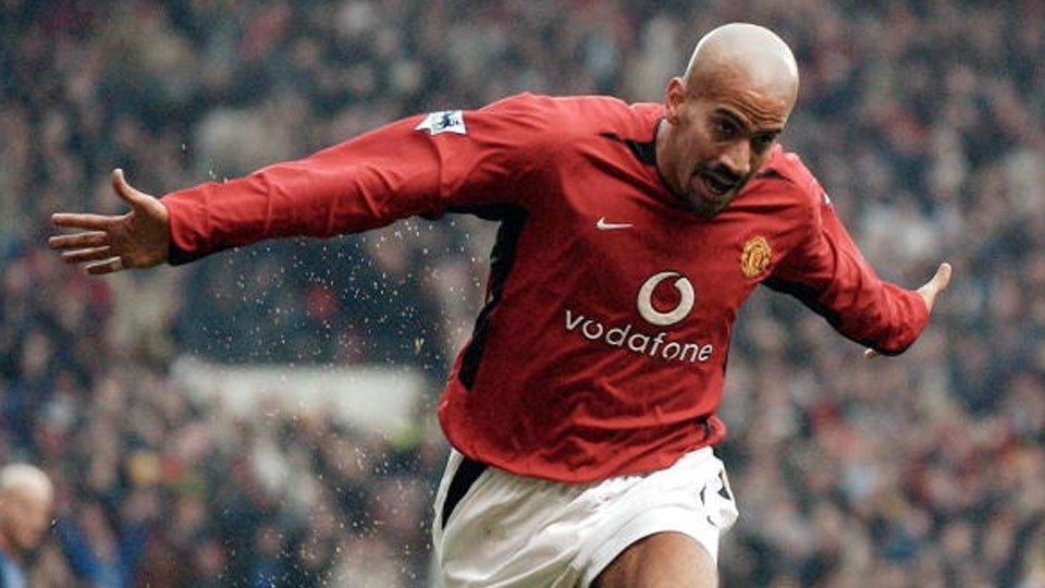 Dupla Verón e Scholes garantou vitória do United sobre o Arsenal em 2002 https://t.co/ZBZbTx8AoM