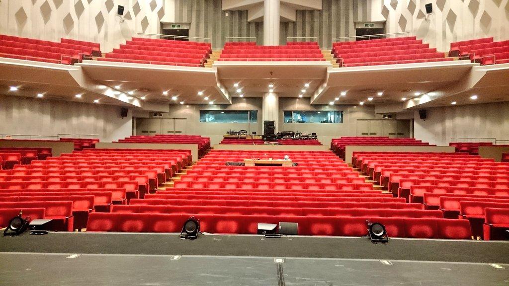大阪 メルパルク ホール 座席