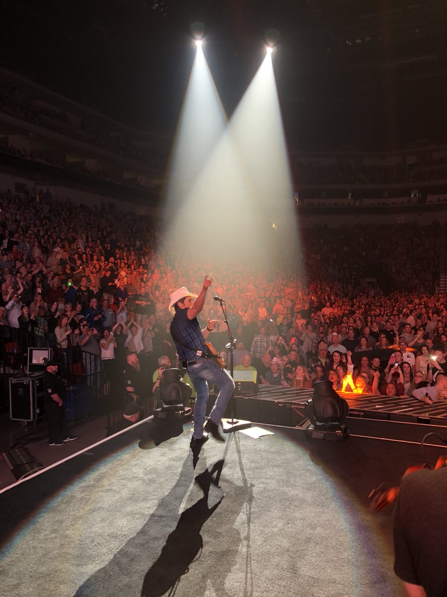 What a night @ PBA with @BradPaisley !!