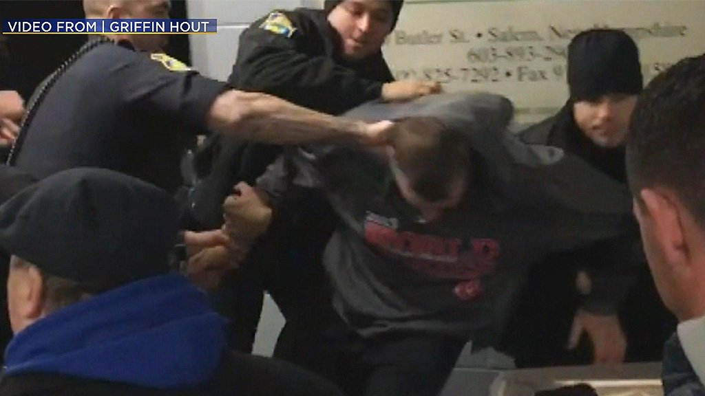 I-Team: Video Captures Arrest Of Youth Hockey Coach Witnesses Say Did Nothing Wrong @CherylFiandaca reports https://t.co/2slDitPV2H