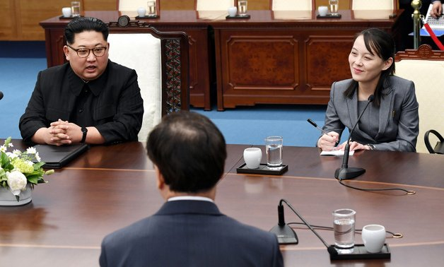 President Moon Jae-in pointed to Kim Jong Un's sister Kim Yo Jong, and said she has become a celebrity in South Korea. Kim Yo Jong blushed to the comments, South's presidential spokesperson says at the #InterKoreanSummit (남북정상회담) https://t.co/WKKOPgnQS6