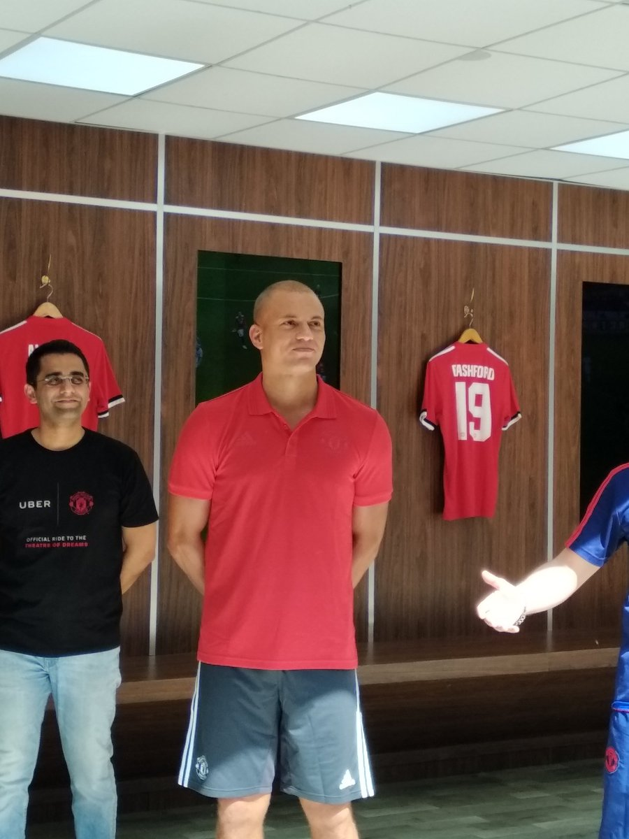 Come say hello to Manchester United Legend @WesBrown24 here at Bangalore!   @ManUtd @Uber_India